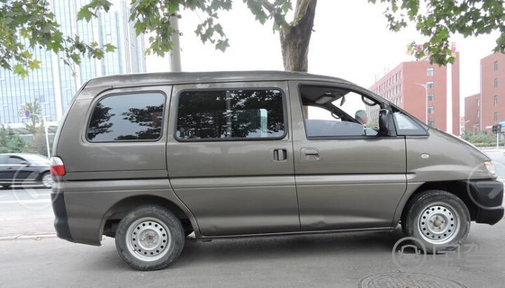 标准型Ⅱ2013【郑州东风风行菱智租车】
