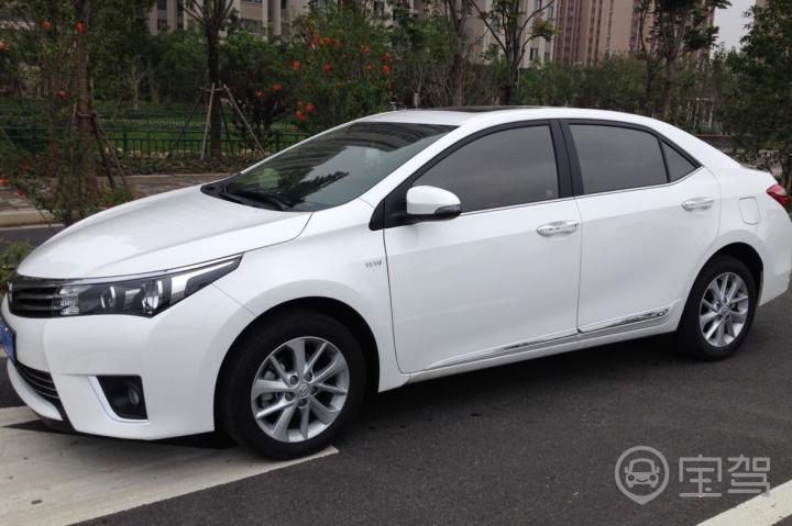 丰田卡罗拉 2015-宝驾租车